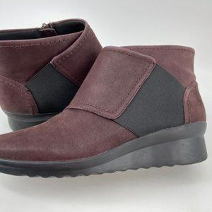 Clarks Cloud Steppers Womens Ankle Boots